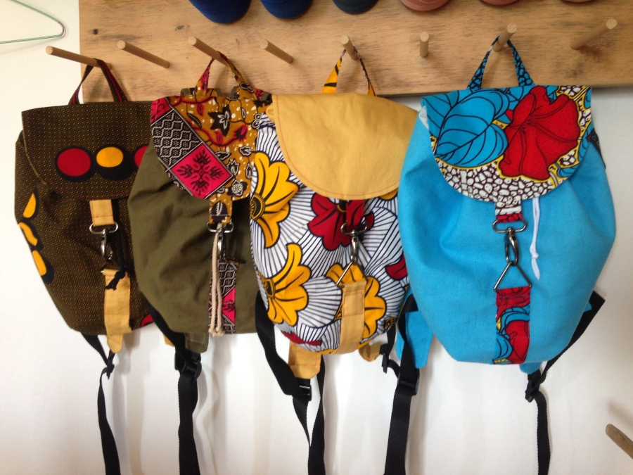 Sac à dos en pagne africain