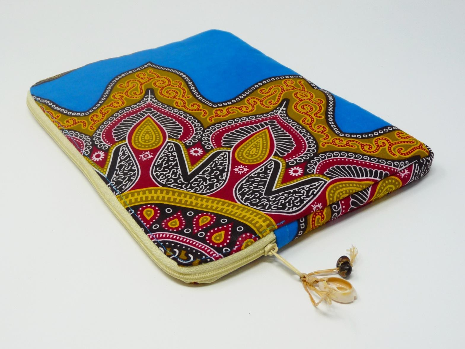 Pochette pour tablette en pagne coloré et doublure beige