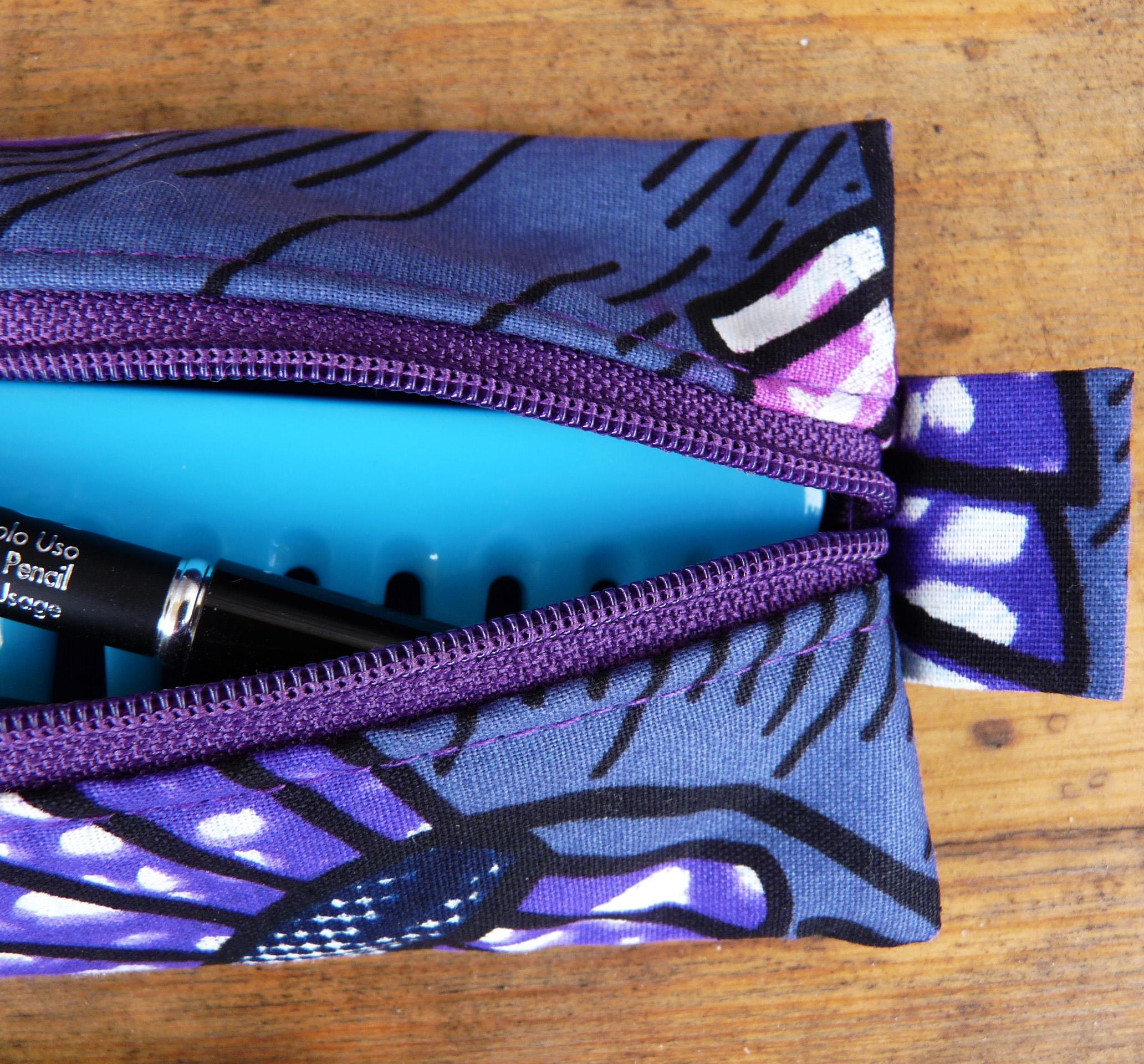 Trousse plate en pagne violet