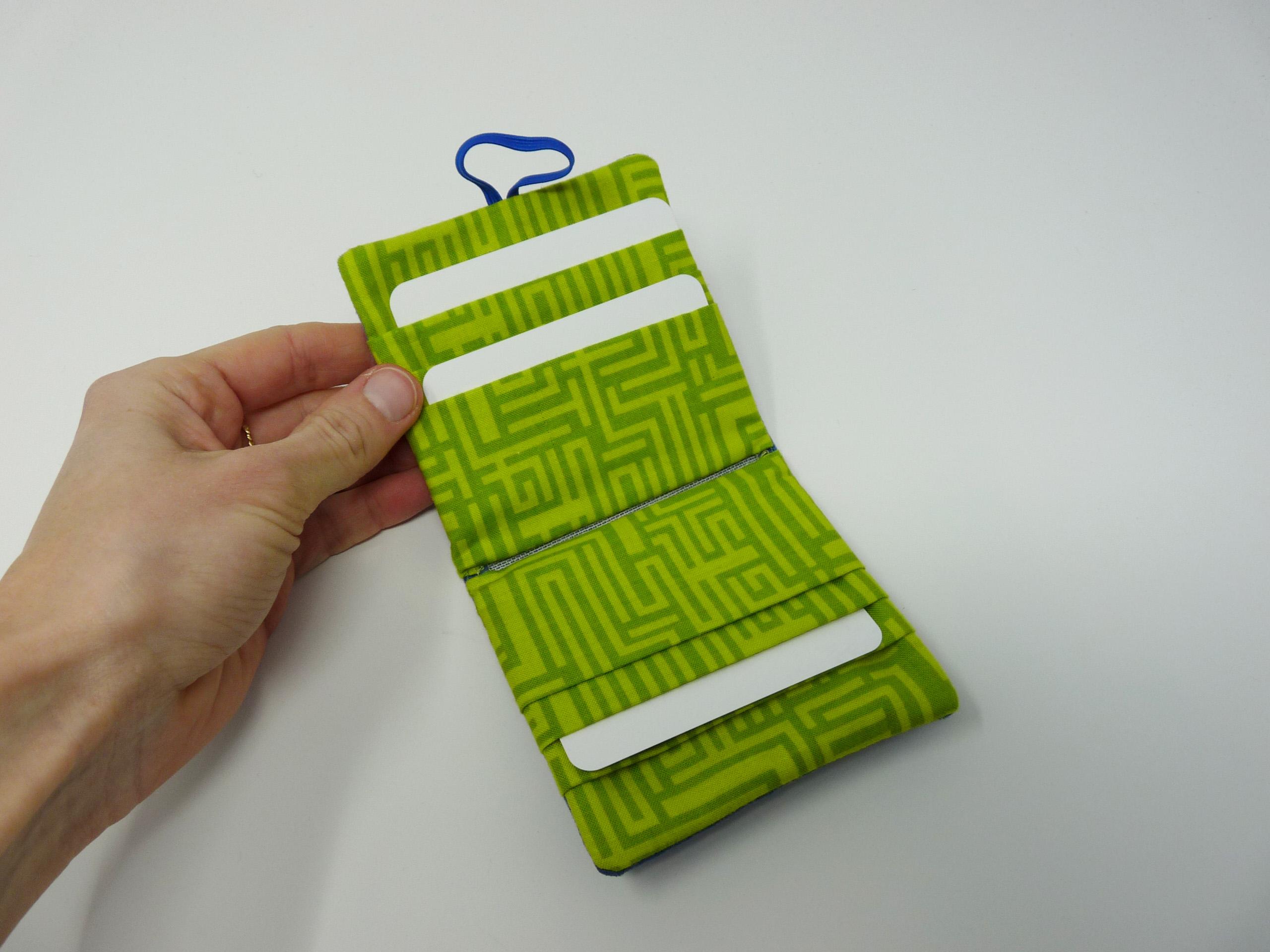 Porte-cartes en tissu vert